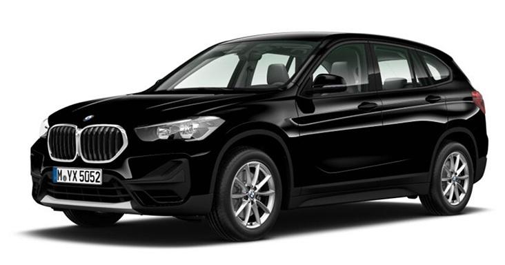 Ein Bild von einem schwarzen BMW X1 sDrive20i vor einem weißen Hintergrund.
